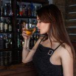 「飲みに行きたい」と女性を誘う男性心理とは?【体験談】